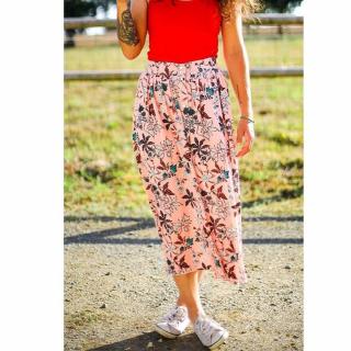 Petite couture du dimanche : une magnifique jupe longue réalisée par une de nos clientes ! 😍   Leïla a utilisé une viscose fleurie et le patron Dolores de La Maison Victor !   Ça donne envie d'être en été encore & encore !! 😅  Bon dimanche ensoleillé ! 😎   #couturedudimanche #doloreslmv #lamaisonvictor #couture #jeportecequejecouds #jupe #cousette #viscose #jecoudsmagarderobe #couturefemme #instacouture
