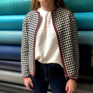 Et si vous appreniez à coudre cette jolie veste ? Il nous reste 2 places pour le cours de couture de la veste Burda 7183 le Samedi 11 Juillet ! 😉✂ - #coursdecouture #couturedebutant #couturefacile #jecoudsmagarderobe #patronburda #burdastyle #burdalovers #burdapattern #burda