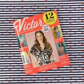 Le nouveau magazine @la_maison_victor_fr  de Juillet / Août est arrivé ! 😎👍 - Au programme dans ce numéro : des patrons de tops, de jupes, de robes ou encore d'un maillot de bain une pièce ! 💦 - Voici un échantillon de nos petits lycras maillot de bain !! - #lamaisonvictor #lamaisonvictormagasine #couturemaillotdebain #sewingmagazine #jeportecequejecouds #jecoudsmagarderobe #coutureaddict #magazinecouture