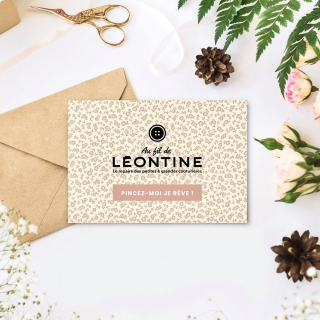 Les cartes cadeaux sont arrivées chez les Léontines !! 🥰🎉  Hein mais comment ça LES cartes cadeaux ?! 🤔  Eh ouiiii, vous pouvez dorénavant commander depuis votre canapé :  👉 Une e-carte cadeau valable sur notre site internet. 👉 Une carte cadeau valable au magasin.  Ça risque de faire des heureuses à Noël !! Qui en voudrait une au pied de son sapin ? 🎄🎁 😅  #cartecadeau #ideecadeau #couture #ideecadeaucouture #loisirscreatifs #cadeaudenoel #instacouture #passioncouture #ideecadeaunoel #cadeaucouture