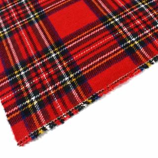 Nouveautés 💕  Deux nouveaux lainages écossais sont arrivés sur le site internet ! 🥰  A nous les coutures de petite cape, manteau, veste ou écharpe ! ❄🧣  #tissuecossais #lainage #tartan #coutureaddict #instacouture #tissusaddict #tissutartan #tissulainage #tissuaddict #passioncouture