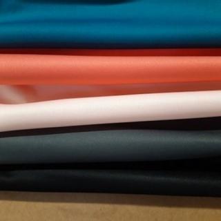 La gamme de PUL ne cesse de faire des petits... 👼👼👼 Ces 5 nouvelles couleurs trouveront certainement un nouveau foyer à combler! Serviettes hygiéniques lavables, sacs imperméables, couches lavables pour enfant, pied au sec pour la piscine... Les idées ne manquent pas avec ce produit technique! UNIQUEMENT EN MAGASIN #aufildeleontine #pul #zerowaste #couturefacile