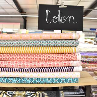 EXCLU MAGASIN ✨  De jolies couleurs avec ces petites merveilles ! 😍  De nouvelles petites popelines de coton Poppy sont arrivées en boutique ! 💕  Une exclusivité magasin à partir de 9,90 € le mètre. 😉  #tissu #coutureaddict #poppyfabrics #tissupoppy #couture #couturedebutant #tissucoton #popelinedecoton #jecoudsdoncjesuis #instacouture #tissusaddict #instacouture #passioncouture